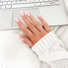Image via We Heart It #apple #laptop #mac #nailpolish #nails #pink #pretty #white #lossan