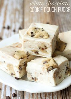 White Chocolate Cookie Dough Fudge [Oh. Amazing fudge, I might need to make this a specialty that I'm known for. The double batch worked beautifully with only two bags of chocolate chips. Cookie Dough Desserts, Cookie Dough Fudge, Chocolate Cookie Dough, White Chocolate Cookies, Chocolate Chips, Chocolate Fudge, Oreo Fudge, Chocolate Chocolate, Cookie Cutters