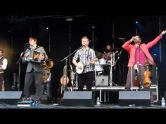 ▶ Bellowhead- '10.000 Miles Away' Live at Carfest North 04.08.13 HD - YouTube