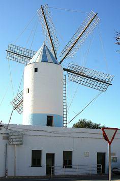 -Windmill-Menorca Ciutadella Menorca, Paradis, Le Moulin, Windmills, Spain, Places To Visit, Louvre, Adventure, Travel