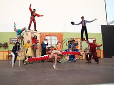 Con motivo de su 40 aniversario, Tivoli World presenta: ¡¡El Gran Circo Ruso!! Un espectáculo para emocionar y divertir a toda la familia. Sus acróbatas, malabaristas, magos, lanzador de cuchillos y los payasos más divertidos de la Costa del Sol te dejarán boquiabierto.