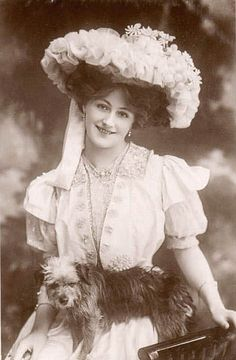 EDNA LOFTUS (1886 abt-1916) was an English actress who's modest career included chorus work at the Gaiety Theatre, London, in The New Aladdin (1906). Also 1906 she featured in the Christmas pantomime Babes in the Wood at the Theatre Royal, Edinburgh. She later went to the U.S., where she is said to have appeared on Broadway. Married & divorced twice; 2nd husband, Harry A. Rheinstrom, son of the late millionaire brewer of Cincinnati. Unsuccessful suicide; died young from TB; died poor.
