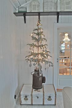 Petra of Romantiska Hjem blog has already started to decorate for Christmas  in October and I like it!