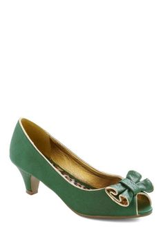 1950's Vintage Style Shoes Pecking Border Heel $48.99 Buy at: ModCloth.com