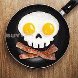 Funnyside UP Skull Egg Shaper mach dir ein Piraten-Frühstück mit einem Spiegelei in Totenkopf-Optik. Infos auf: www.ztyle.de