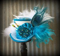 Kentucky Derby Mini Top Hat Turquoise and White Rhinestone Royal Ascot Hats, Tea Party Hats, Peacock Colors, Kentucky Derby Hats, Custom Hats, Alice In Wonderland, Vibrant, Turquoise, Pure Products