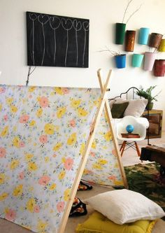 DIY A Frame tent tutorial- awesome for summery photo sessions. Grosgrain: Free Pattern Month Day 11 - Cakies: The A-Frame Tent A Frame Tent, Diy Frame, Diy Pour Enfants, Kids Tents, Play Tents, Play Houses, Diy For Kids, 4 Kids, Kids Playing