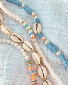 Cowrie Shell Necklace, Shell Bracelet, Shell Jewelry, Bead Jewellery, Cute Jewelry, Beaded Jewelry, Shell Choker, Bracelet Patterns, Bracelet Designs