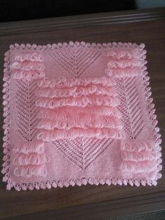 This Pin was discovered by Arz Easy Crochet Patterns, Baby Knitting Patterns, Baby Blanket Crochet, Crochet Baby, Teapot Cover, Spool Knitting, Yarn Shop, Cross Stitch Designs, Vintage Patterns