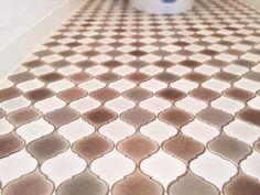 『イエナカ手帖』に投稿されたtommy&jonasunさんの記事 - トイレスペースの床材『タイトル:DIYでトイレをイメージチェンジ 完~クッションフロアを上張り~』です。家の中(イエナカ)の知識や工夫を共有して、イエナカの暮らしをもっと楽しもう!
