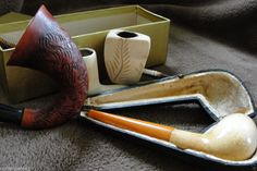 Nice Lot of 4 Vintage Estate Meerschaum Pipes with Bakelite stems