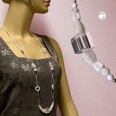 Collier, Würfel transparent, weiß  sommerliches Collier mit ausgefallenen Kunststoffperlen weiß und kristall, 2-fach Kordel weiß