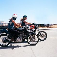The Women's Moto Exhibit is a traveling photo exhibition documenting and promoting the new wave of modern female motorcyclists. Lady Biker, Biker Girl, Chicks On Bikes, Cafe Racer Girl, Biker Chick, Biker Style, Belle Photo, Motorcycles, Wheels