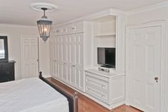 North York closet - traditional - bedroom - toronto - by Seva Rybkine Built In Furniture, Traditional Bedroom, Wall Closet, Bedroom Built Ins, Living Room Windows, Small Room Bedroom, Bedroom Wall Units, Build A Closet, Glam Master Bedroom