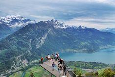 Die Harder Kulm in Interlaken in der Schweiz! Der schönste Aussichtspunkt auf die Seen Thunersee und Brienzersee! Diese Aussicht sollte ihr euch bei eurer Reise in die SCHweiz nicht entgehen lassen!