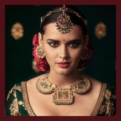 Fulfill a Wedding Tradition with Estate Bridal Jewelry Indian Jewelry Sets, Indian Wedding Jewelry, India Jewelry, Bridal Jewelry, Jewellery, Gold Jewelry, Indian Bridal, Bengali Wedding, Bridal Shoes