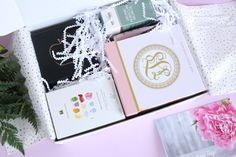White Willow Box Limited Edition Mother's Day Box 2017 https://www.ayearofboxes.com/subscription-box-reviews/white-willow-box-limited-edition-mothers-day-box-2017/