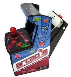 ¿Te acuerdas de esta maquinita de juegos arcade? Seguro que la estás mirando con una sonrisa en la cara. Ahora puedes tener este minimodelo y conectarlo a tu iPhone.