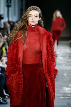 Gigi Hadid    Max Mara, Milan Fashion Week F/W 2017/18 (February 23, 2017)