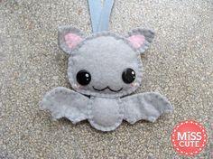 Cute handmade felt bat keychain :)