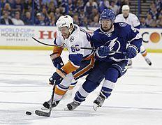 Хоккей в России: Tampa Bay Lightning center Tyler Johnson (9 фото (photo)