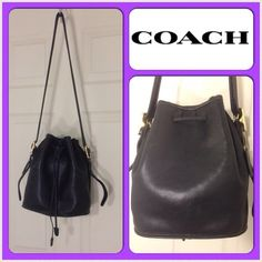 """HP 10/23 Vintage Coach Legacy British Tote ⛔️REDUCED⛔️ Was $80.  Now $70. Black. Coach. Leather bucket drawstring shoulder handbag. Gold hardware. Leather Coach tag.  One open pocket on inside. Minor scratches, scuffs and marks. Loose stitching on drawstring holder. H5D 9952. W 10"""" x D 5.5"""" x H 10.5"""". Coach Bags Totes"""