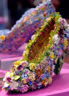 Floral Shoe - from the Candace Bahouth Collection of Mosaic Art Shoes. She is mosaic artist in Pilton, Somerset, England. Crazy Shoes, Me Too Shoes, Fairy Shoes, Flower Shoes, Arte Floral, Floral Fashion, Shoe Art, Mosaic Art, Shoe Collection