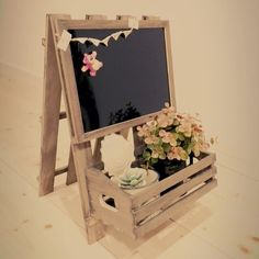Use Pallet Wood Projects to Create Unique Home Decor Items – Hobby Is My Life Wood Projects, Woodworking Projects, Projects To Try, Wood Crafts, Diy And Crafts, Tea Lounge, Craft Markets, Crafty Craft, Handmade Decorations