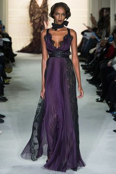 Marchesa Autumn / Finter 2015 AW16 - New York Fashion Week NYFW - Purple long dress with lace black details