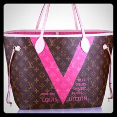Louis Vuitton neverfull V (limited edition) Beautiful neverfull in pristine condition comes with dustbag. I honestly have another neverfull with pivione interior. Wanting to sell this I can go cheaper on ️️. Check my ratings and love notes to put yourself at ease. Louis Vuitton Bags Totes