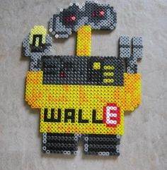 Wall - E hama beads by Fuzzbutt