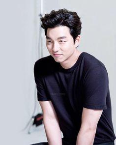 Gong Yoo Smile, Yoo Gong, Asian Actors, Korean Actors, Goblin Korean Drama, Goong Yoo, Tv Series 2013, Lee And Me, Korean Drama Quotes