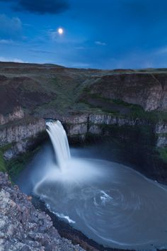 Palouse Falls Moon, Washington