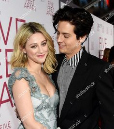 Lili & Cole at premiere in LA Riverdale Poster, Bughead Riverdale, Riverdale Funny, Riverdale Memes, Cole Sprouse Jughead, Cole M Sprouse, Lily Cole, Stranger Things, Betty Cooper Riverdale