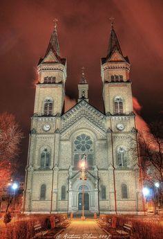 timisoara-catedrala-romania-city-romanian-church-romenos-romena-eastern-europe #Romania #architecture #beautiful