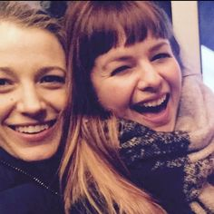 "Pin for Later: Blake Lively Proves That Her ""Sisterhood"" With Amber Tamblyn Is Still Alive and Well ""WHERE are my hands?!? #SisterWivesOfTheTravelingPants"""