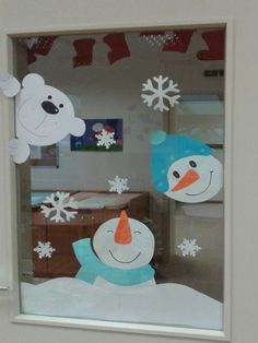 15 how to make super easy christmas decorations on a budget snowmen doors remajacantik christmasdecorationideas supereasychristmasdecorationideas snowmendoorschristmasdecorationideas christmas crafts for kids 2 Christmas Decorations For Kids, Christmas Crafts For Kids, Christmas Art, Simple Christmas, Christmas Ornaments, Handmade Christmas, Snowman Door, Theme Noel, Diy Weihnachten