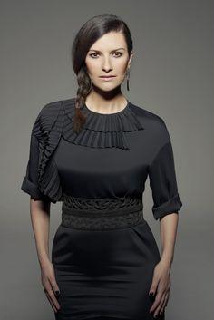 Anche a Laura Pausini sono piaciuti gli orecchini Goccia e Foglie in Argento ed Onice!