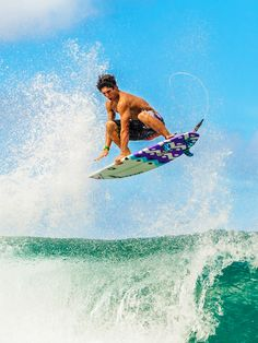 Surfing holidays is a surfing vlog with instructional surf videos, fails and big waves Bali Travel, Hawaii Travel, Sup Surf, Surf Wear, Big Waves, Ocean Waves, Windsurfing, Surfs Up, Ocean Beach