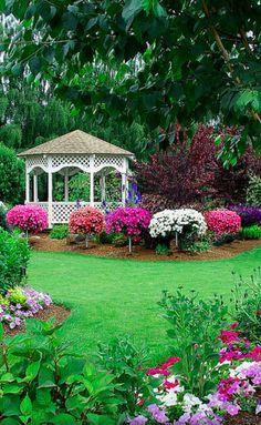 Bauman Farms meditation garden in Gervais, Oregon • photo: Renaude Hatsedakis on Flickr