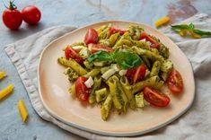 Salata de paste cu pesto, mozzarella si rosii cherry - Andreea Raicu Pesto, Mozzarella, Pasta Salad, Cherry, Ethnic Recipes, Food, Salads, Crab Pasta Salad, Essen