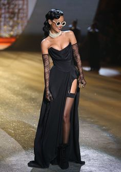 rihanna-2012-victoria-s-secret-fashion WITCH?