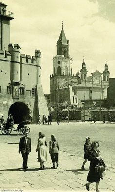 History by Old Lublin Pictures Of Beautiful Places, My Kind Of Town, Old Pictures, Ancestry, Leather Backpack, Past, Study, Architecture, City