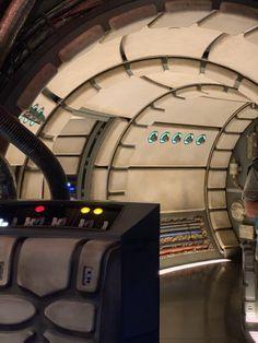 Star Wars: Galaxy's Edge at Disney World - Balancing Pieces Star Wars Light, Star Wars Decor, Marvel Photo, Millenium Falcon, Picture Boards, Star Wars Wallpaper, Star Wall, Rainbow Wall, Hollywood Studios