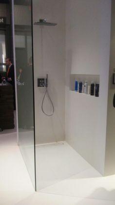 Willen we 1 of 2 nissen aan de douchekant? Bathroom Rack, Bathroom Toilets, Bathroom Renos, White Bathroom, Bathroom Interior, Small Bathroom, Master Bathroom, Family Bathroom, Wet Rooms