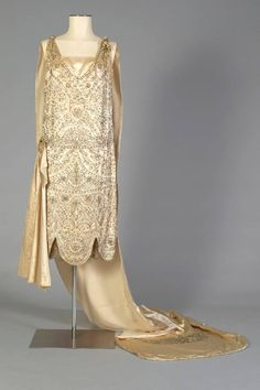 Evening dress and train, 1925