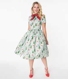 Unique Vintage 1950s Forest Gnome Scene Cora Swing Dress Pin Up Dresses, Unique Dresses, Dress Me Up, Pretty Dresses, Dresses For Sale, Vintage Dresses, Dresses With Sleeves, 1950s Fashion Dresses, 1950s Outfits