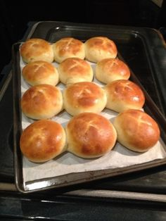 Another great recipe to use your starter. I have no idea where this recipe originated. I have gotten into long term formation of sourdough and have edited the recipe to make the commercial yeast optional. Sourdough Recipes, Sourdough Bread, Bread Recipes, Baking Recipes, Sourdough Rolls Recipe No Yeast, Starter Recipes, Sourdough Dinner Rolls, Dinner Rolls Recipe, Pan Dulce