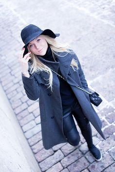 Black and grey. A hat day. minnasomero.blogspot.com