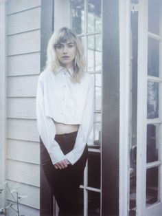 imogen poots photo Imogen Poots Takes it Easy in So It Goes Cover Shoot English Actresses, Actors & Actresses, Imogen Poots, Girl Crushes, Beautiful Actresses, Editorial Fashion, Fall Outfits, Beautiful People, Folk